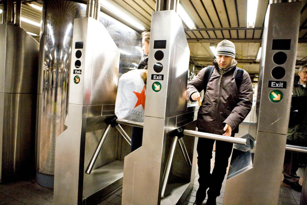 地下鉄から出るときはチケット不要