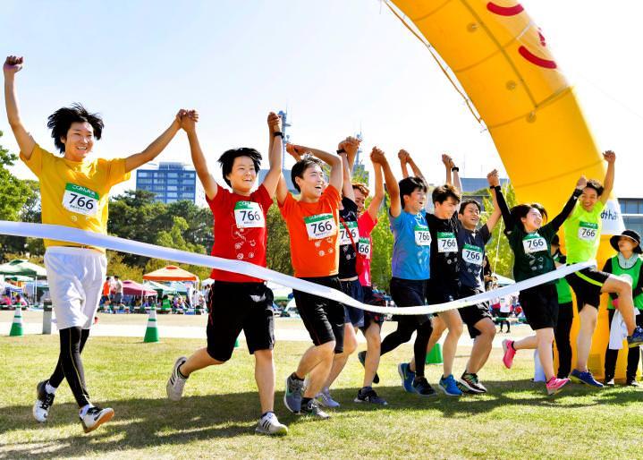 【感動のゴール】みんなで走り切るマラソンのゴールは格別!