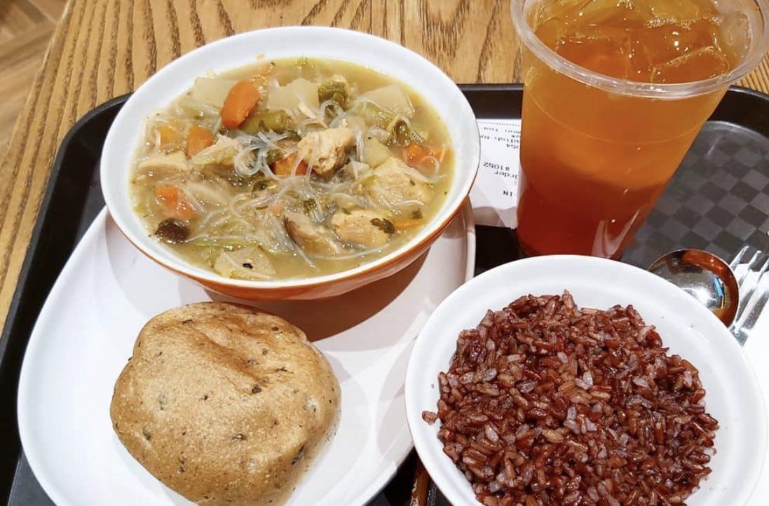 TOKYO野菜スープとブラウンライスで健康的なランチ