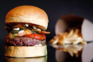 『25 Degrees Burger』は上品で肉汁たっぷりのアメリカンバーガー【シンガポールおすすめハンバーガー】