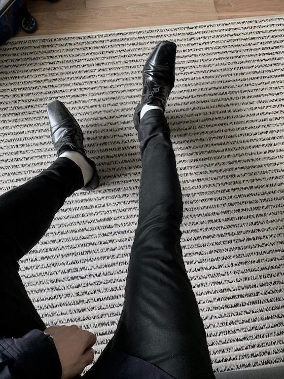 足が太いぼくでもスッキリカッコよく履ける!