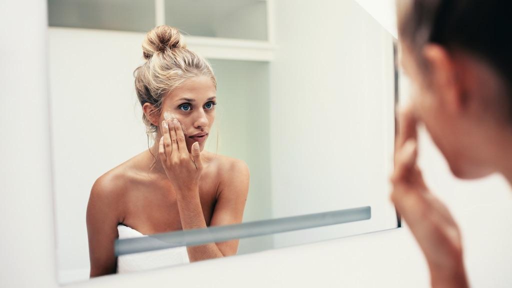 クレンジングは化粧を落とすこと。でもその美肌への効果は男性にも必要だった!