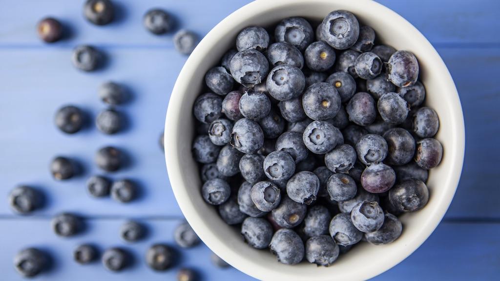 保湿クリームの1回分の適量はブルーベリー1,2個くらい!