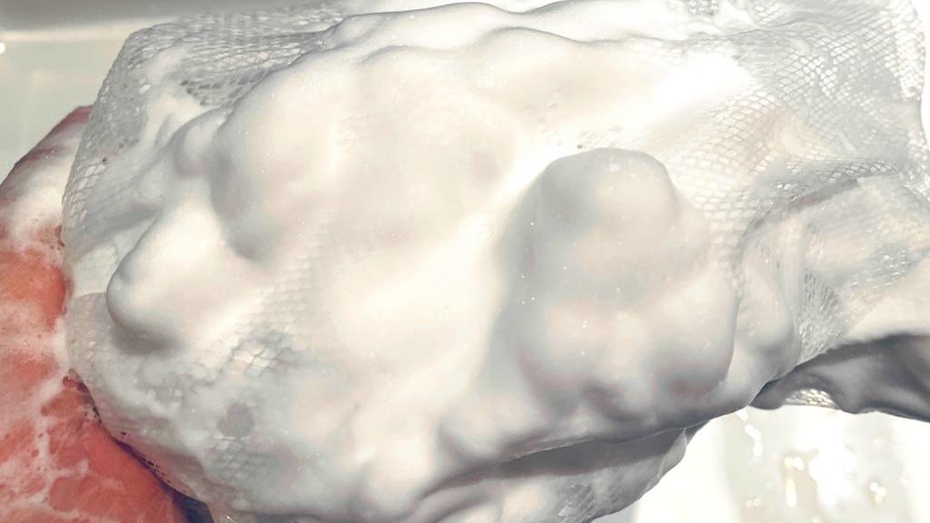 HOLOBELL(ホロベル)の洗顔は大量の濃厚泡が最高に気持ちいい!